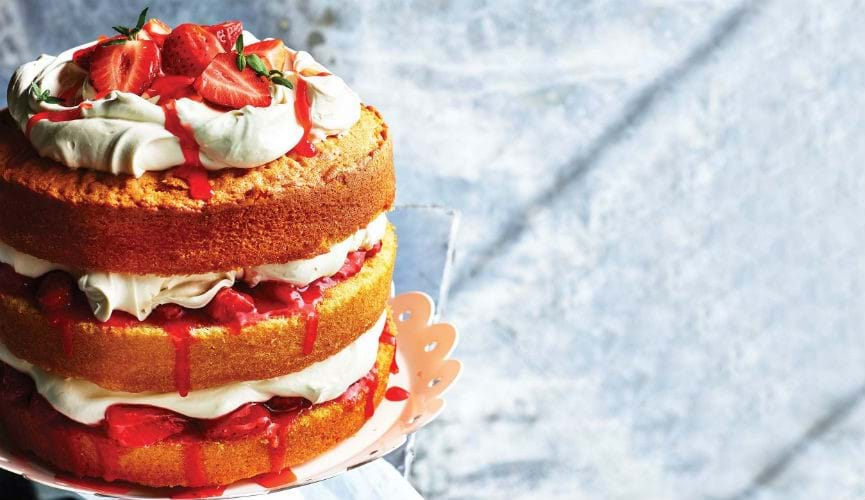Lemon layer cake with strawberry and thyme jam