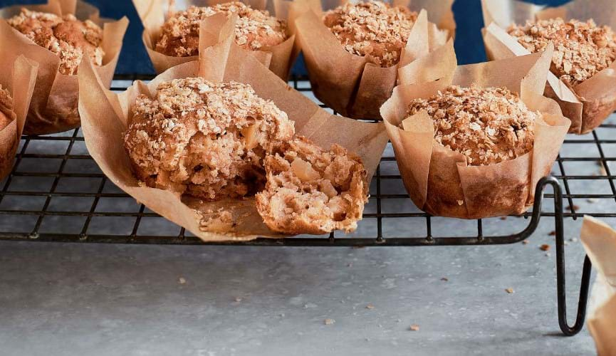 Vegan apple crumble muffins