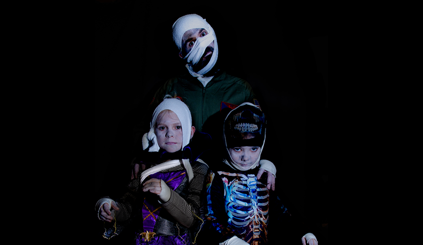 Malcolm Mummy and his little mummies in costume