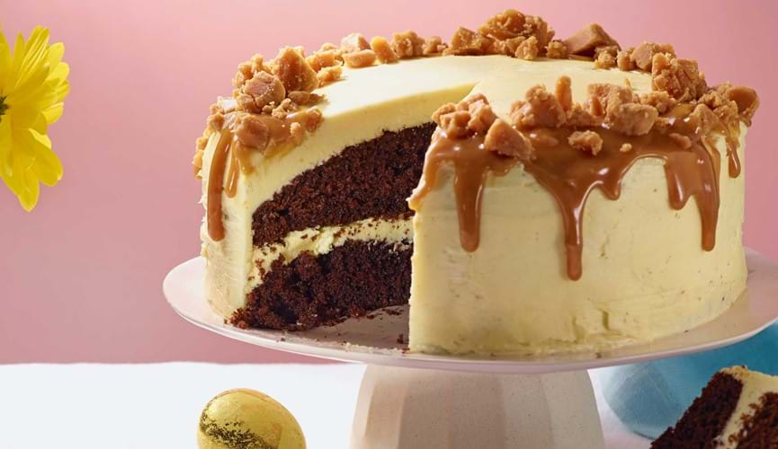 White chocolate & salted caramel fudge cake