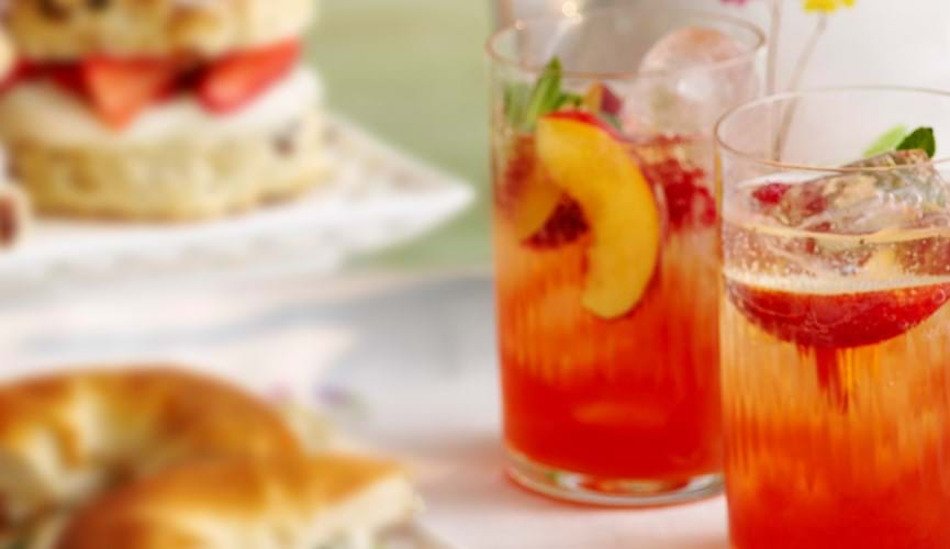 Iced peach melba tea